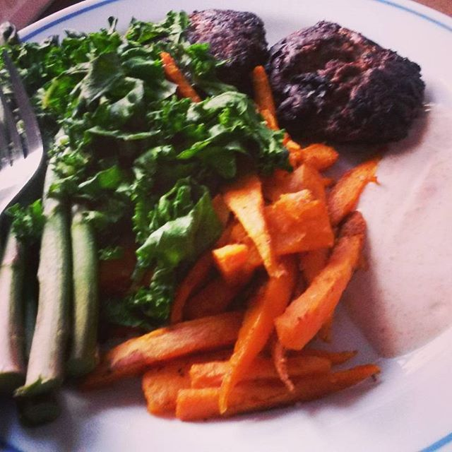 Carb refuel dinner - homemade burgers, sweet potato chips, kale and asparagus